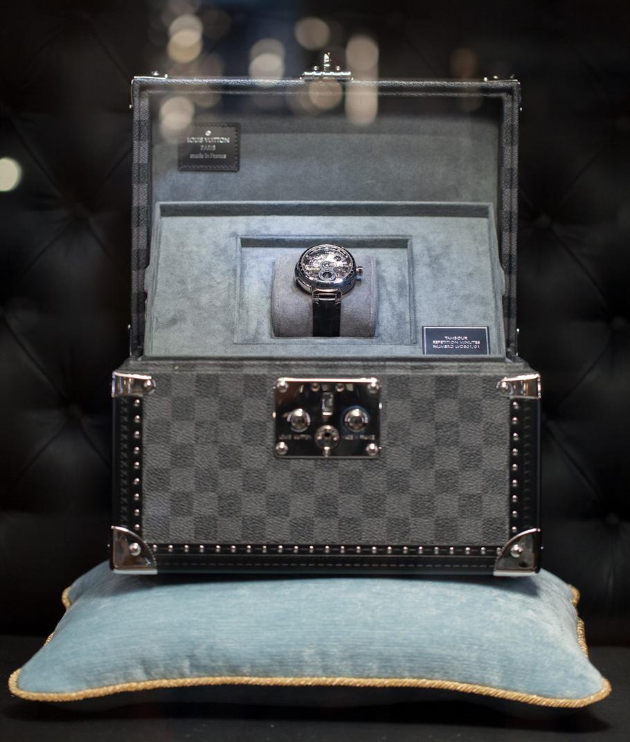 fd6716efa194 Хотя для Louis Vuitton «музейная деятельность» тоже не в новинку: Louis  Vuitton на 25-й Biennale des Antiquaires, проходящей с 15 по 22 сентября в  Париже, ...