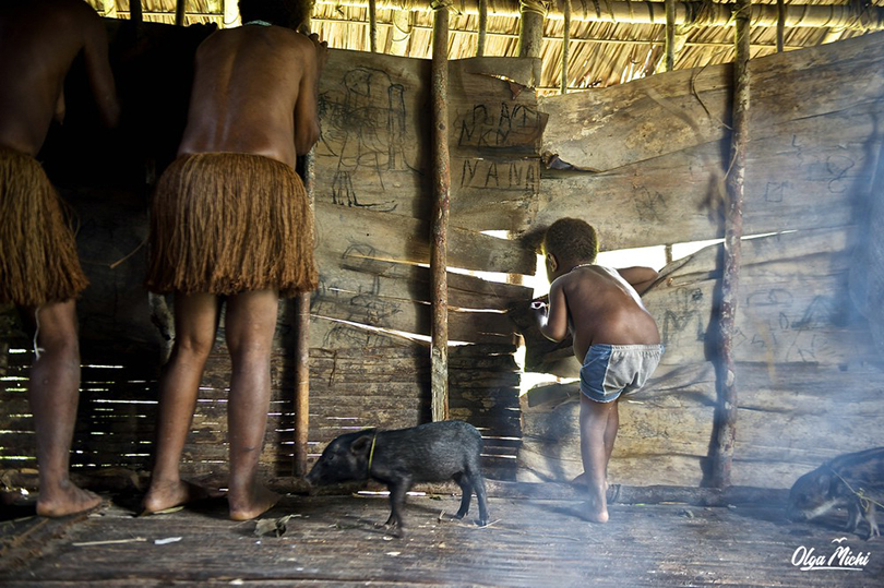 Аборигены с гигантскими яйцами и хуями фото 744-879