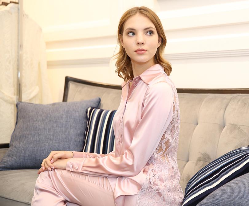 Розовая щелочка яны
