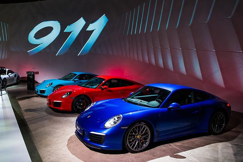 Авто  светская премьера новой модели легендарного Porsche в Москве ... fdc811fc12d