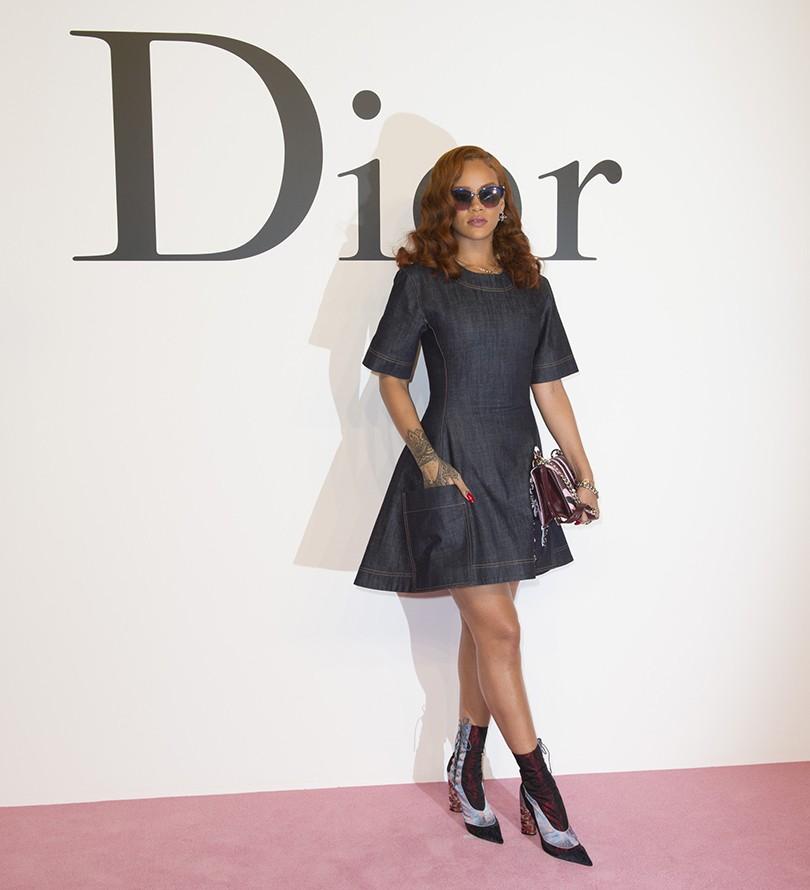 cfe1312def29 Style Notes  Рианна на показе Christian Dior в Токио   Posta ...