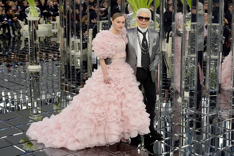 Style Notes  нежность и блеск — показ Chanel на Неделе высокой моды ... f5689327b3e