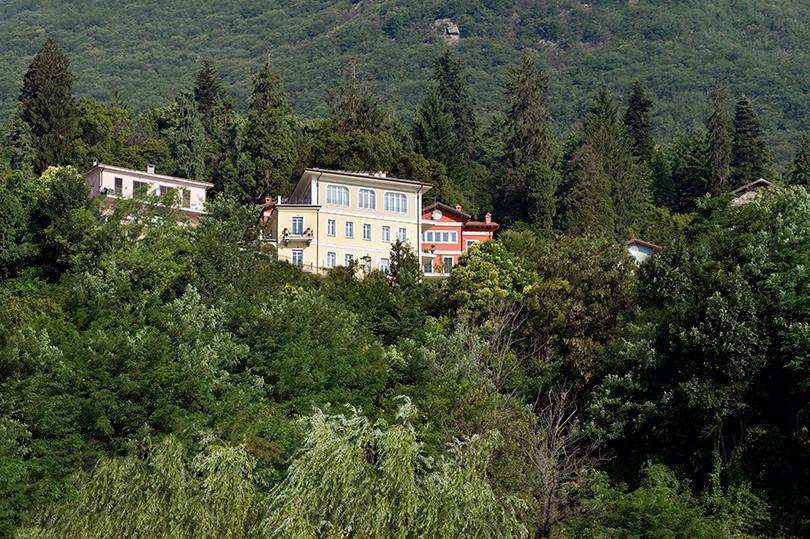 Жена Джорджа Клуни Амаль Аламудди и ее любимая клиника красоты в Италии