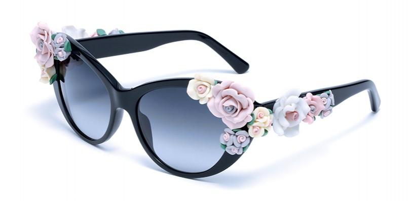 b86aac8dfbb5 Shopping. Коллекция очков Dolce   Gabbana Flowers   Posta-Magazine ...