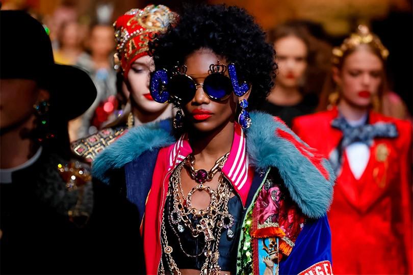9031a0e60974 Служение моде» Dolce   Gabbana и ностальгическое шоу Versace  самое ...