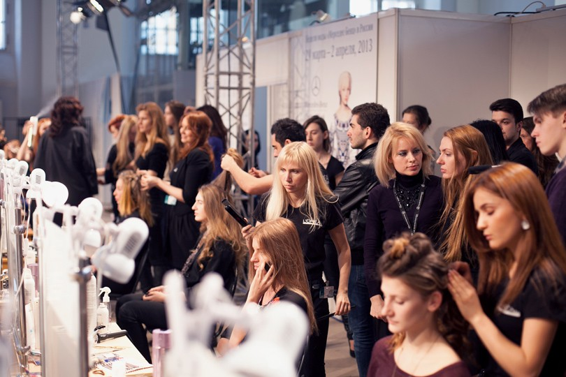 Backstage Secrets. Лучшие укладки Mercedes-Benz Fashion Week...