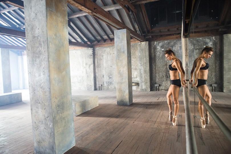 Style Notes: российская балерина в кампании Intimissimi осен.