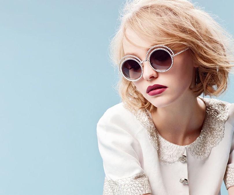 Style Notes  дочь Джонни Деппа стала лицом Chanel   Posta-Magazine ... ee3714cec30