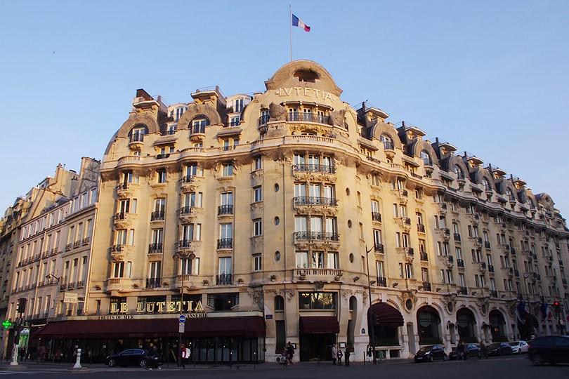 Цветной встречает осень в Париже