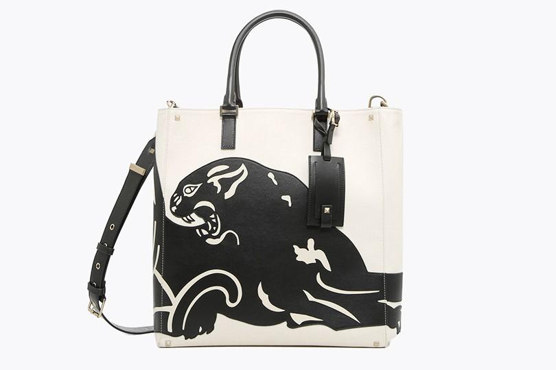 09f274ff0ffc В мире животных  анималистичные иллюстрации на мужских сумках ...