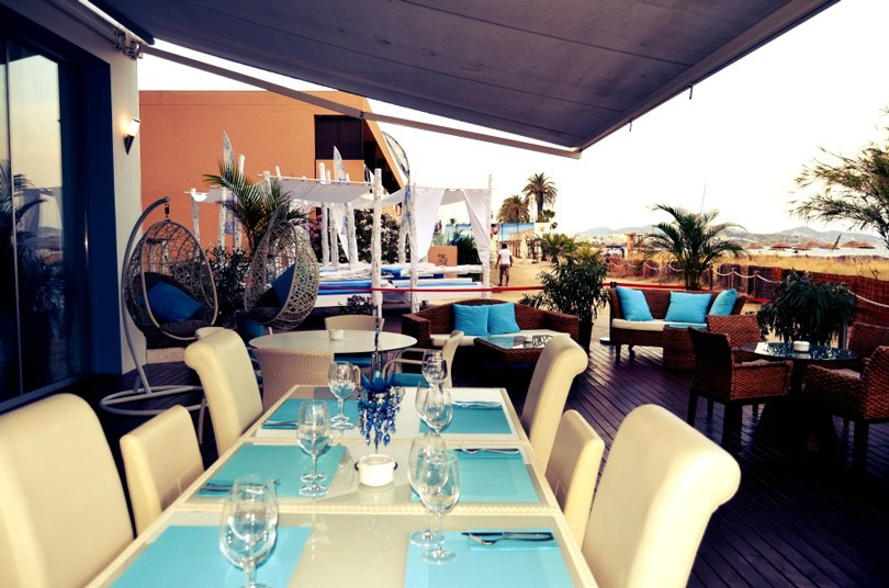 Адрес дня. Saint-Tropez Beach Bar&Restaurant на Ибице