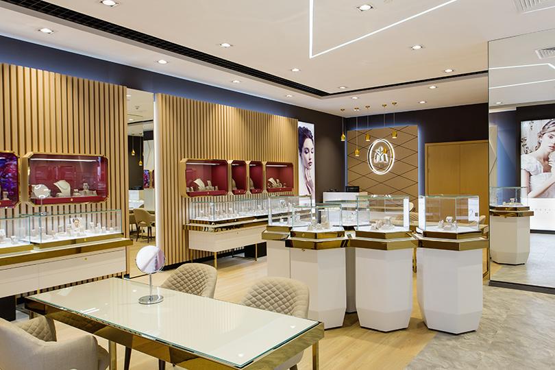 Часы   Караты  «Московский ювелирный завод» открыл новый бутик и  презентовал коллекцию « 80bed08b493e2