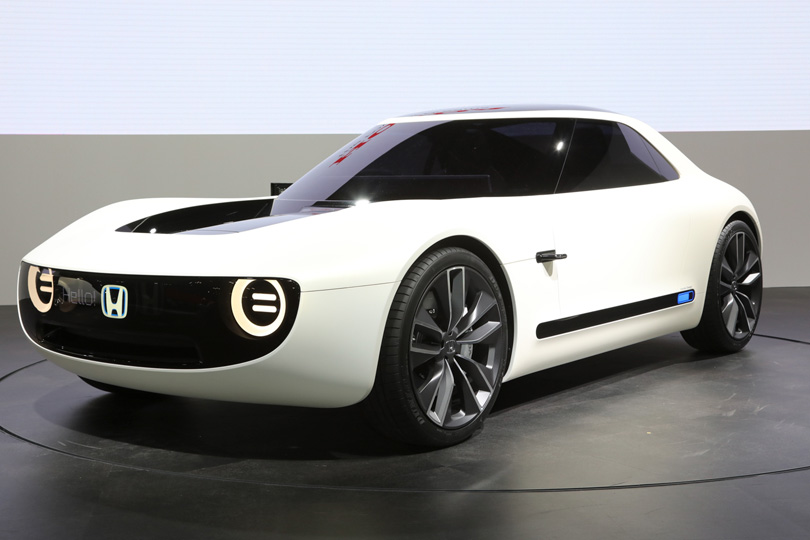 Cars with Jan Coomans. Tokyo Motor Show — the latest from the land of Godzilla. Honda Sports EV
