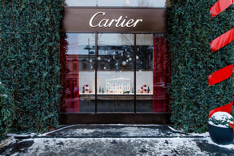 342e7a34620a Светская хроника  детская елка в бутике Cartier   Posta-Magazine ...