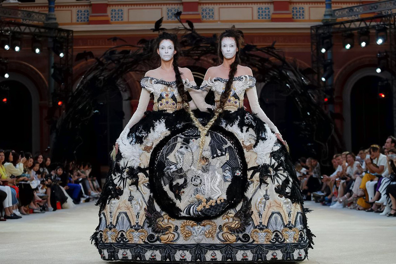 Haute Couture Fall Winter 2019/2020: Guo Pei