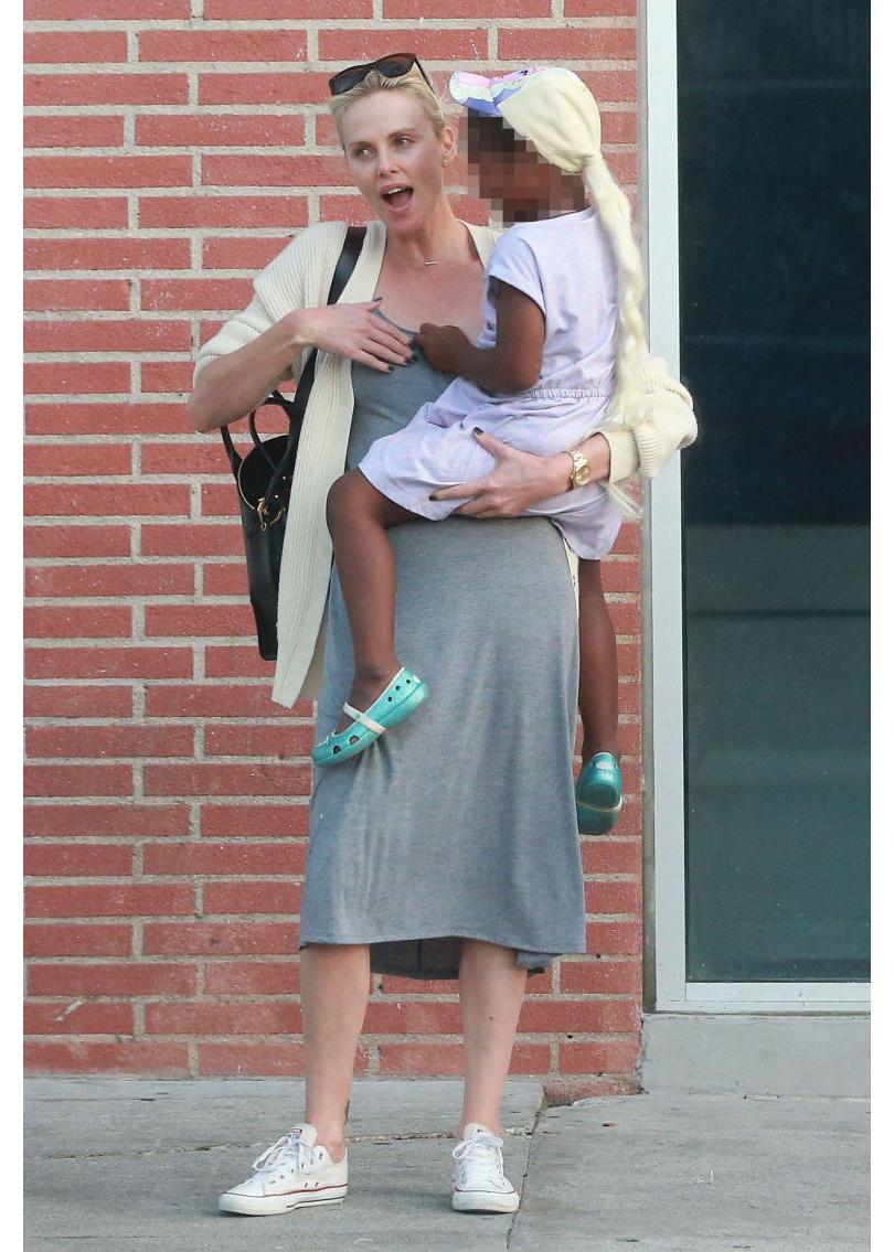 Пышная русская мамочка и ее сынок