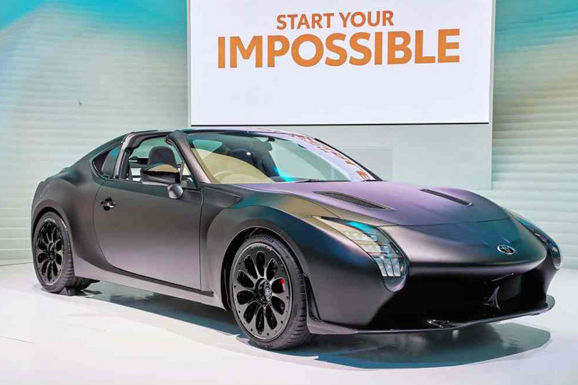 Cars with Jan Coomans. Tokyo Motor Show — the latest from the land of Godzilla. Toyota GR HV