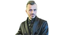 anity Fair с Марией Лобановой: интервью с дизайнером Александром Сирадекианом