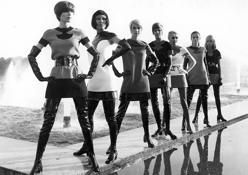 Платья, Pierre Cardin, 1969 (Фото: Pierre Pelegry, Yoshi Takata)