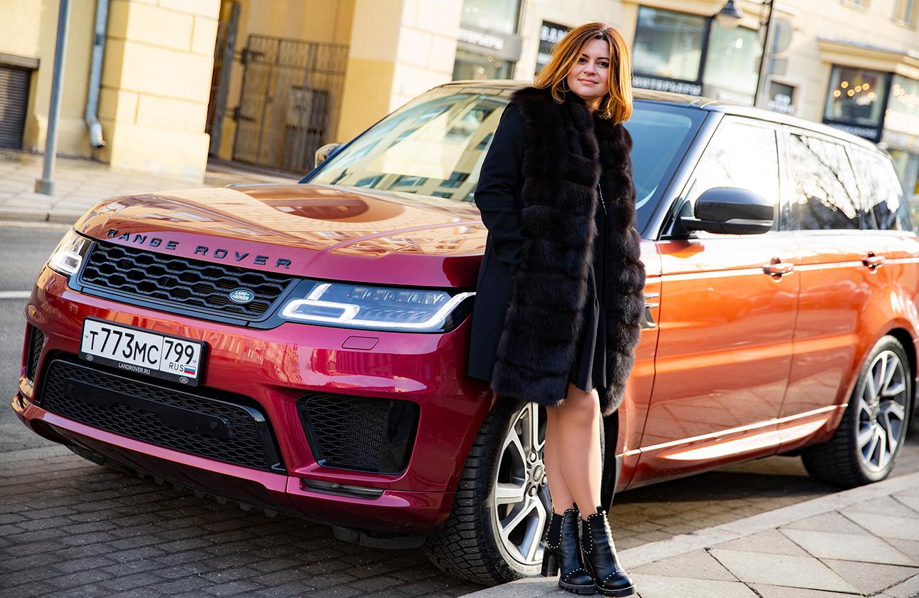 Руководитель Private Banking Банка Открытие Алина Назарова и Range Rover Sport
