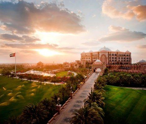 Идея на каникулы: 10 причин поехать в Абу-Даби весной