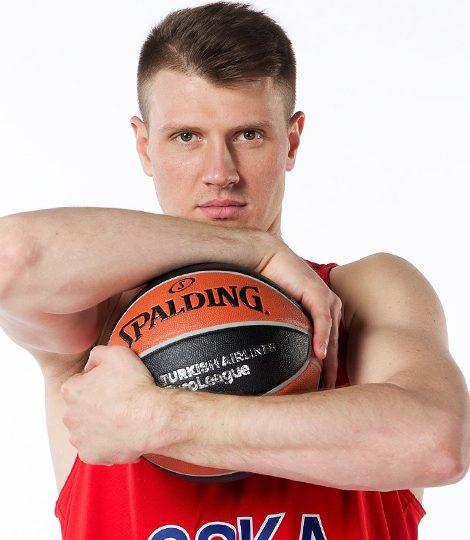 «Если ты останавливаешься на достигнутом — ты уже в прошлом»: интервью с баскетболистом ЦСКА Андреем Воронцевичем