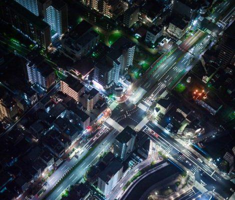 Стресс в большом городе: таппинг и другие техники психологической самопомощи
