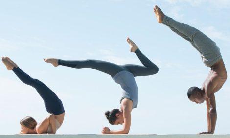Анна Дычева — о трех брендах, которые делают косметику для йоги