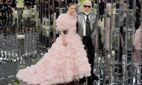 Style Notes: нежность и блеск — показ Chanel на Неделе высокой моды