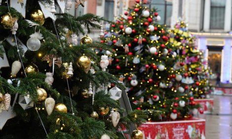 «Путешествие в Рождество»: открытие елок российских дизайнеров отметили в ресторане Bolshoi