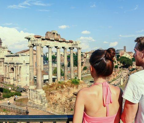 Общество: в Италии все молодые люди 98-го года рождения получат от правительства 500 евро!