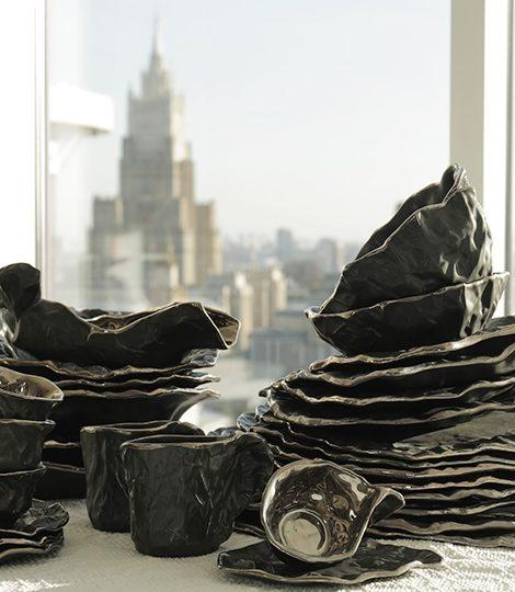 «Нефть»: коллекция эксклюзивной посуды от Евгении Крюковой