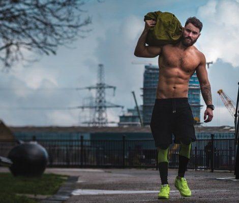 Фитнес с Алексеем Василенко:  мешок, покрышка и теннисный мяч,  или Почему для занятий фитнесом не всегда нужен фитнес-клуб