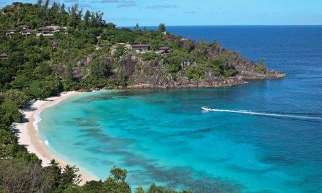 Куда поехать весной: Сейшелы — открыточные пляжи, ванильные плантации и черные попугаи