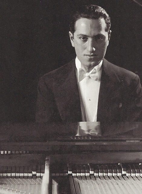 Джордж, он же Джейкоб, он же Яша, он же Гершвин: 120 лет со дня рождения пианиста и композитора, примирившего джаз с классикой