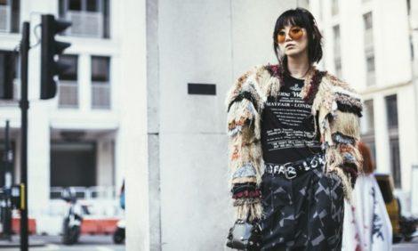 Street Style: уличный стиль на Неделе моды в Лондоне