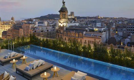 Куда поехать на 14 февраля? Барселона — послеобеденный сон на собственной террасе, гастрономические удовольствия и вечер при свечах