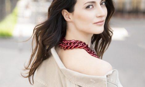 Style Notes с Мариной Изиловой: как носить блузы с открытыми плечами