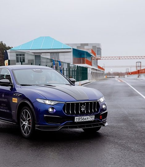 Авто с Яном Коомансом: за рулем Maserati на автодроме ADM Raceway в Мячково