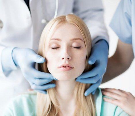 Юридический ликбез с Идой Лоло: как обезопасить себя от неожиданных последствий пластической хирургии и косметологии?
