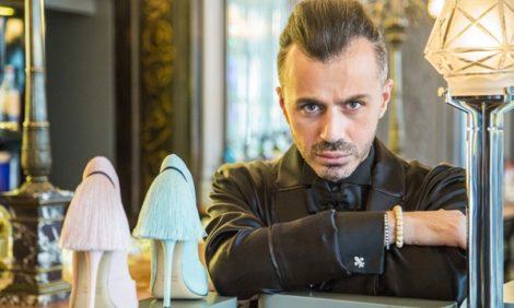 Vanity Fair с Марией Лобановой: «Кто-то уже считал меня сбитым летчиком» — интервью с дизайнером Александром Сирадекианом