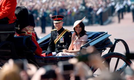 Принц Гарри и Меган Маркл объявили о снятии королевских полномочий