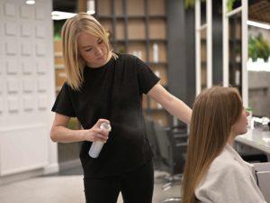 Топ-5 процедур для волос зимой: уплотнение, увлажнение, сияние