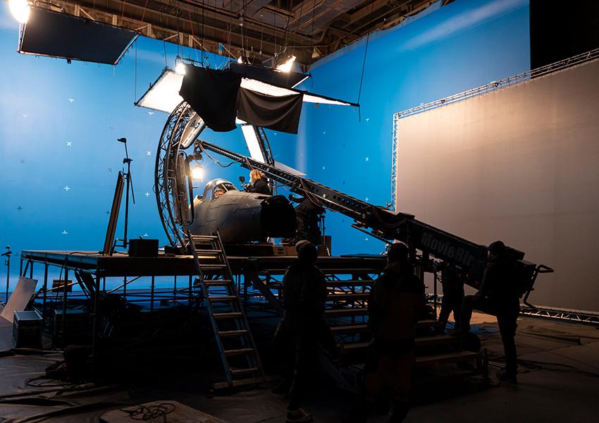 «ФАУ. Побег из ада»: Бекмамбетов снимет сцену воздушного боя в фильме о летчике Девятаеве в ходе компьютерной игры War Thunder