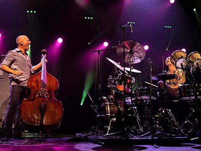 14 марта — ХХМеждународный фестиваль «Триумф джаза» вДоме музыки.