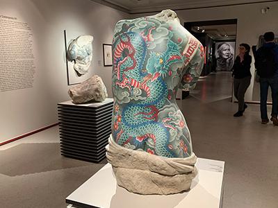 В ГМИИ им. А. С. Пушкина открылась выставка «Тату», посвященная 3000-летней истории татуировки.