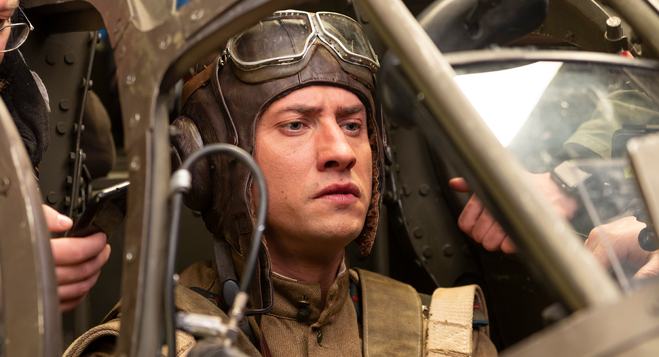 «ФАУ. Побег из ада»: Бекмамбетов снимет фильм о летчике Девятаеве в ходе компьютерной игры War Thunder