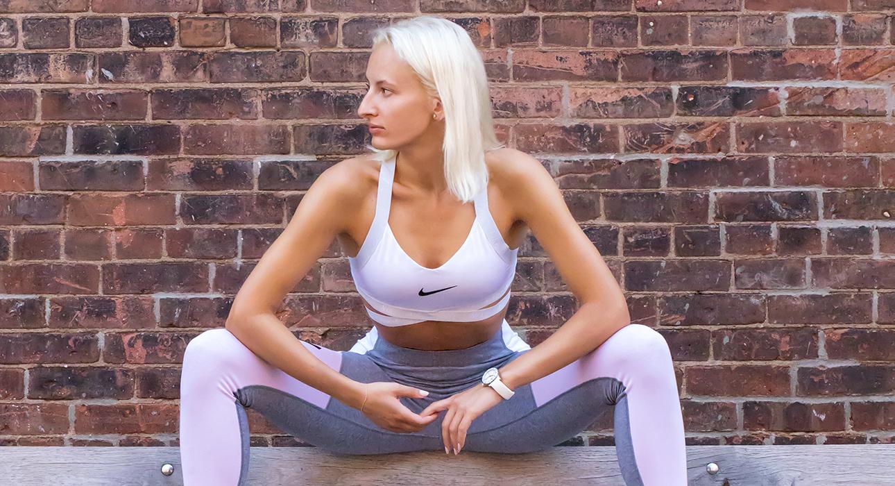 Фитнес дома с Юлией Алексеевой: упражнения для рук, спины и пресса