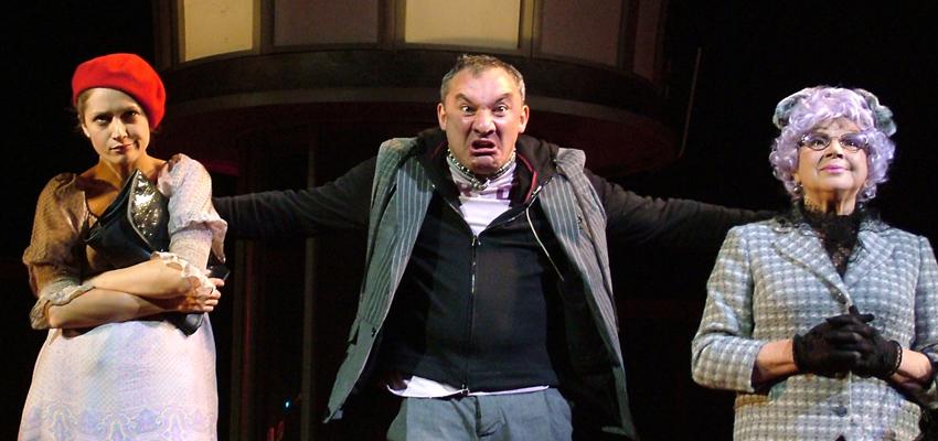 Московские театры продолжают выпускать спектакли онлайн