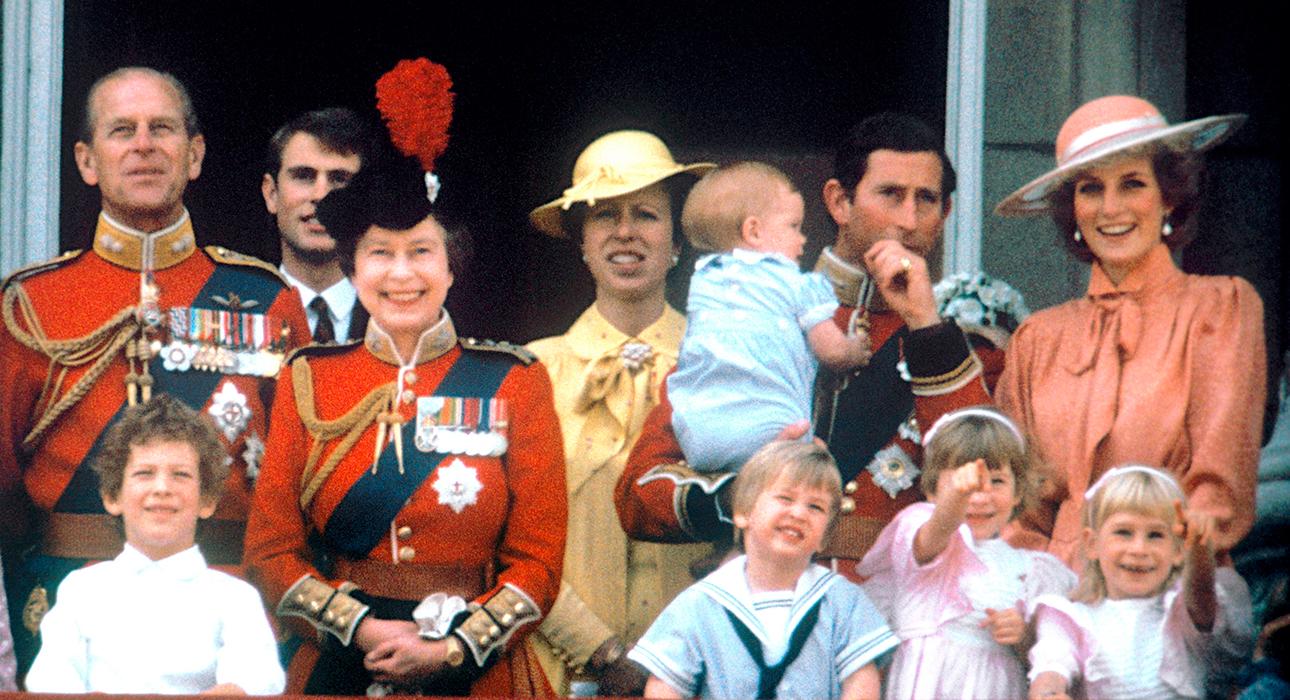 Елизавета II: о семье